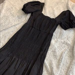 Black zara dress with puff sleeves